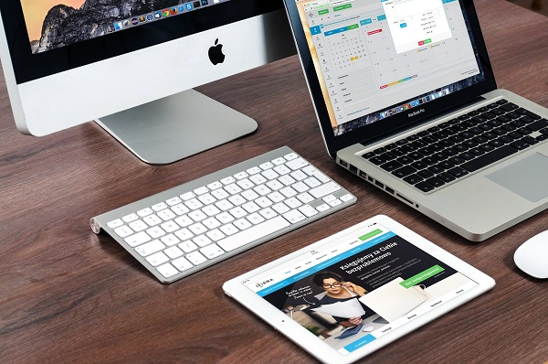 タブレットとノートパソコンの違いとは?